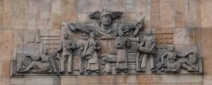 REFLEXE-KAŽDODENNOSTI-V-UMENI_ Karel Dvořák, bývalý Steinský palác, Hradec Králové, 1925 - kopie