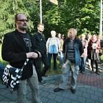 Fotoreport - instalování naučné cedulky Internační tábor Hanke a křest bulletinu 02/2015 - 21.6.2015